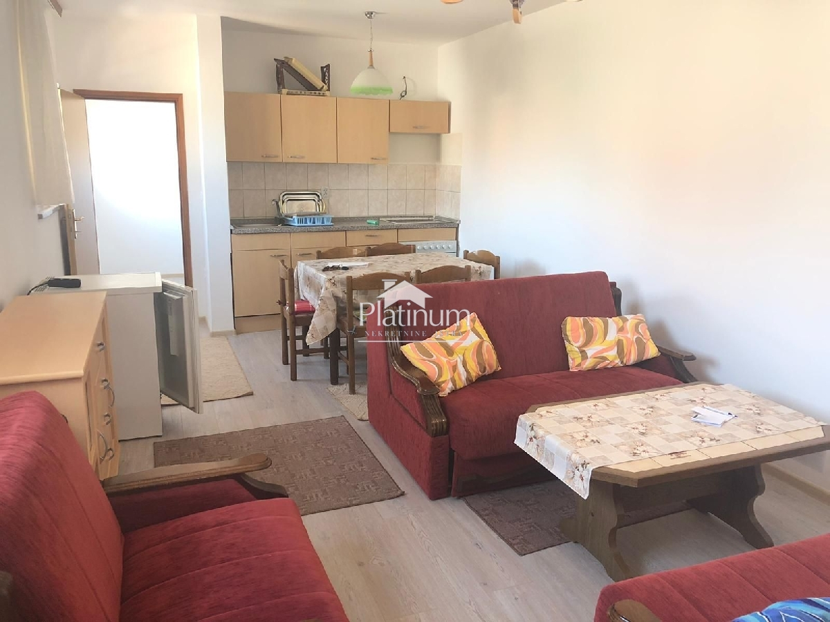 Istra, Pula, okolica, stan 48m2, 1. kat, namješteno