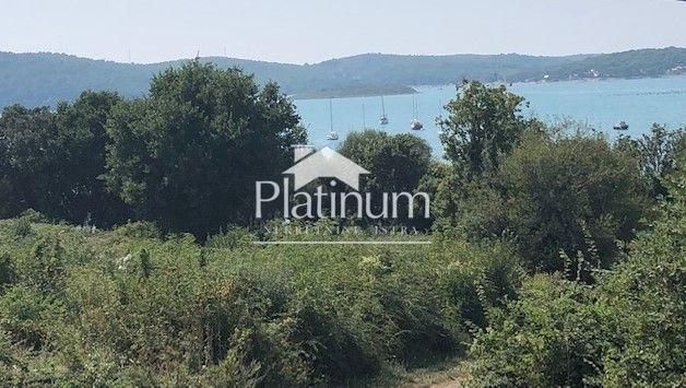 Istra, Medulin, apartman 50m2, 100m2 vrta, 100m od mora, NOVO!!