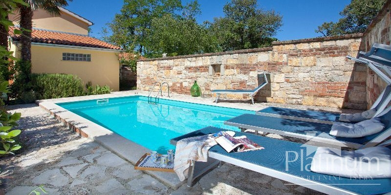 Istria, beautiful house with pool, opportunity