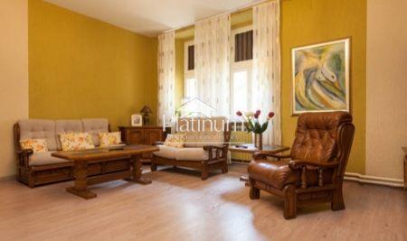 Pula, Veruda, stan u austrougarskoj vili 100m2 sa dva apartmana i studio apartmanom, top lokacija