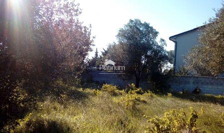Istra, Vodnjan, okolica, građevinsko zemljište 454m2 sa infrastrukturom