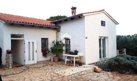 Istria, Krnica, is for sale ground floor house with 3000m2 garden, sea view