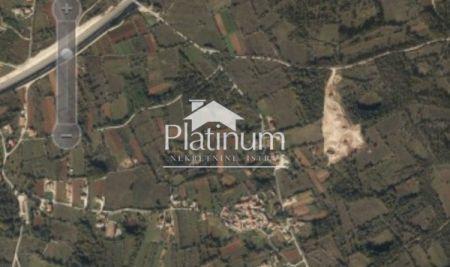 Istra, Kanfanar Zemljišče za prodajo 4865m2.