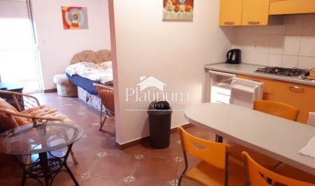 Fažana, okolica, prekrasan apartman, prizemlje,  74000eur PRILIKA!!!