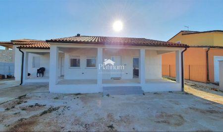 Istra, Vodnjan, novo sagrađena kuća, 464m2 okućnice!