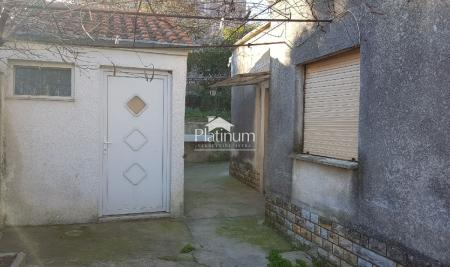 Istra, Pula, Monvidal, prizemnica 64 m2 sa okućnicom od 350 m2