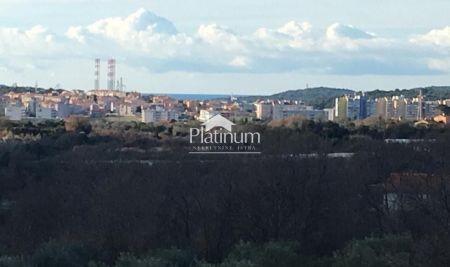 Istra, Pula, Šijana, stan u manjoj stambenoj zgradi 65m2, namješteno, mirna lokacija
