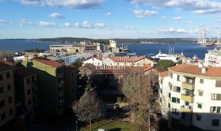 Stan, Pula, Stoja - 73,52m2, 2SS, 2 terase - panoramski pogled na more i grad, blizina plaža