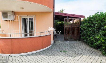 Pula, Štinjan 82m2 -novogradnja, prizemlje, apartman sa 70m2 vrta