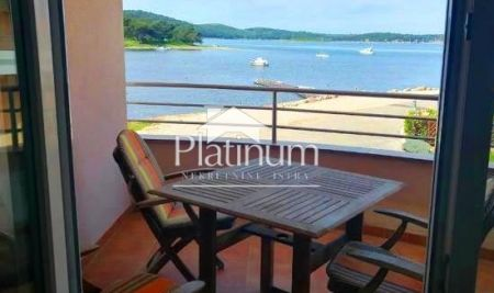 Medulin, beautiful apartment 48m2 with sea view, 30m