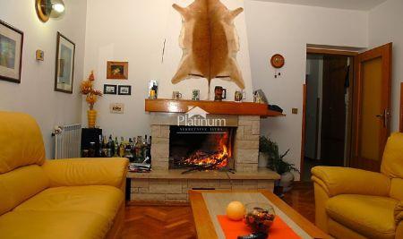Istra, Štinjan, kuća sa dva stana, 576m2 okućnice, blizina mora