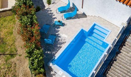 Istra, Pula, centar, novo uređena kuća sa bazenom, 122m2