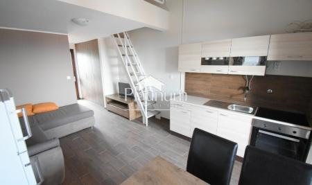 Duga uvala, dvoetazni apartman, 36m2, extra pogled na more