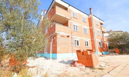 Fažana, okolica, prekrasan apartman1 katu,2 sobe, pogled more, NOVO