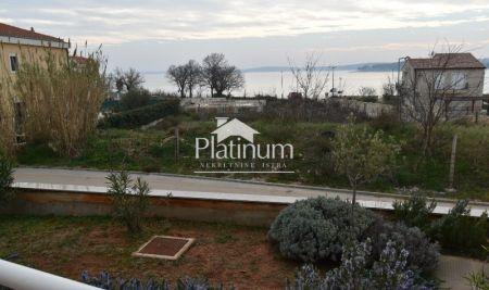 Medulin, apartman u prizemlju sa vrtom. 100m od mora i plaže