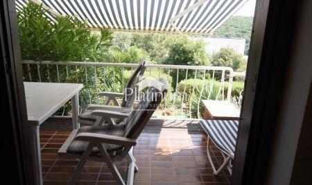 Istra, DUGA UVALA, apartman 37m2, terasa, pogled more, 50.000Eur