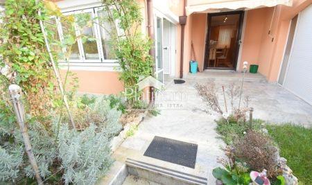 Barbariga, dvojna kuća sa zasebnim apartmanom