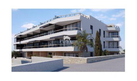 Pula, Pješćana Uvala, 1.kat 60,52m2 - luksuzna zgrada 150m od mora, pogled na more