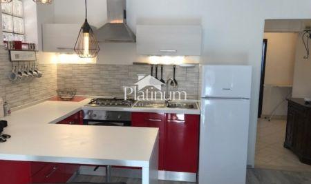 Pula, Valmade, stan u zgradi novije gradnje, 47m2