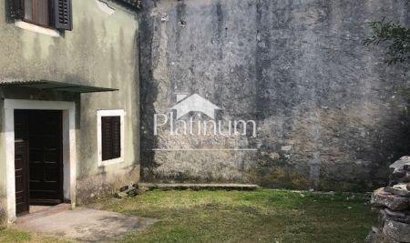 Istra, Ližnjan, kamena kuća sa okućnicom 100m2, puno potencijala