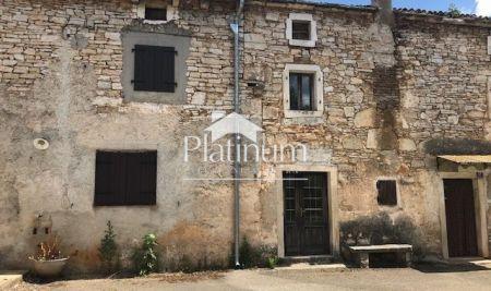 Istra, Svetvinčenat, kamena kuća kuća 70m2, za renovaciju