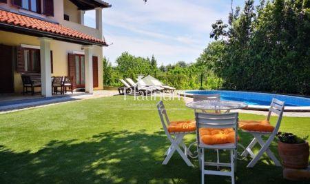 Villa Medulin, Istra - 145m2 + 800m2 okućnice s bazenom