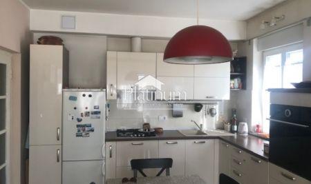 Istra, Pula, centar, prodaje se stan na trećem katu ukupne površine 73m2