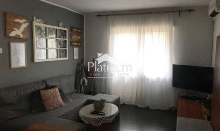 Istra, Pula, Veruda, stan na prvom katu stambene zgrade,52m2
