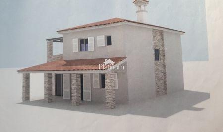 Istra, Juršići, kuća sa bazenom 161m2 na 1000m2 okućnice