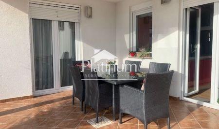 Istra, Medulin, apartman 140m2, 4SS, pogled more!!