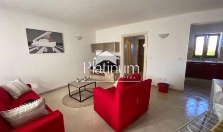 Istra, Medulin, okolica, kuća 100m2, 3SS, okućnica 100m2, namješteno, parking!!