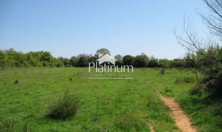 Pula, okolica, građevinsko zemljište sa građevinskom dozovolm, 761m2