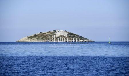 Istra, Medulin, okolica, 85m2+106m2 vrta, DO MORA, NOVO!!!