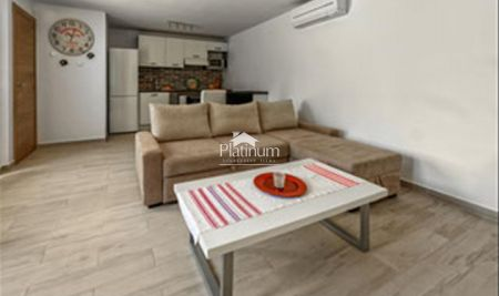 Pula, center, newly renovated 45m2 apartment with 55m2 garden, parking place