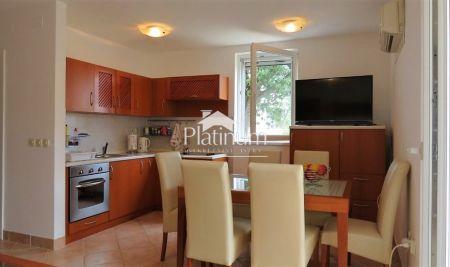 Istra, Medulin, apartman - 1.kat 45,43m2, 1SS, lođa, ostava, parking - mirna lokacija, blizina mora