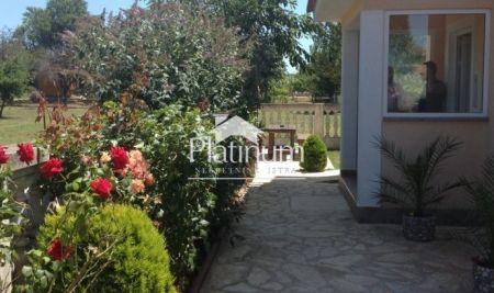 Apartman, Valbandon - Fažana; 51,64m2 vrt, terasa, parking