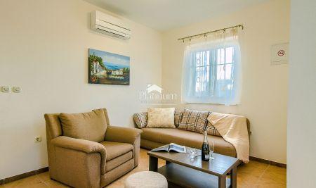 Istra, Medulin, dvoetažni apartman, 96m2, 2SS, 150m od mora!!