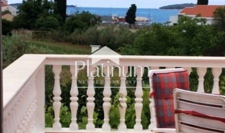Istria, Medulin, beautiful house 50m from the sea, sea view, EXCLUSIVE PROPERTY, UNIQUE!