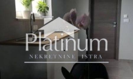 Istra, Pula, Vidikovac, moderno uređen stan 40 m2 sa dvorištem od 45 m2