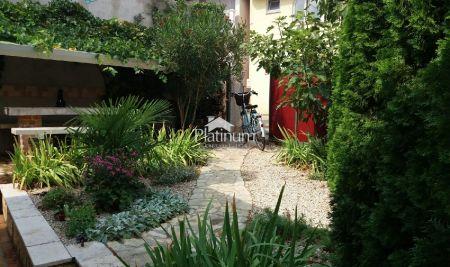 Istria, Parenzo, bella casa! 70m2 con cortile 75m2