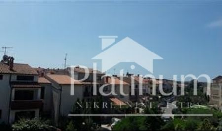 Istra, Pula, Veruda porat, house with 3 apartments, 265m2 with garden 100m2 and the corresponding garage