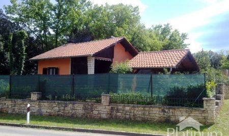 Istria, Marčana, Duga uvala, legalized cottage