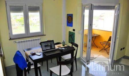Istra, Medulin, Ližnjan, apartman 64m2, 3.kat, pogled more, 2 sobe, ODLIČAN