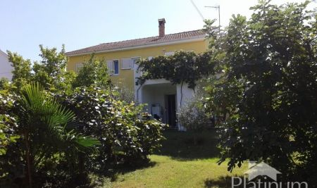 Valbandon, Fazana, Istria - detached family house 200m2 with garden
