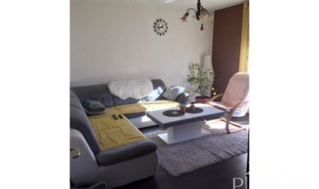 Pula, Stoja, apartment 52m2 on the fifth floor of a residential building, close to the sea