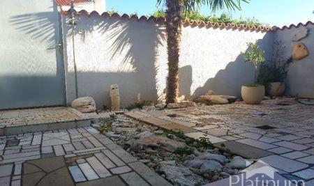 Istra, Barbariga, apartman u prizemlju sa vrtom