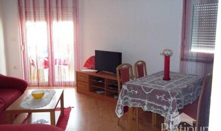 Istra, Medulin, prekrasan dvosobni apartman 51m2, prizemlje