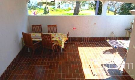 Barbariga, beautiful apartment with garden on the ground