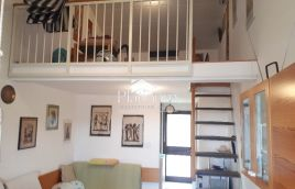 Long bay. Two-level apartment sea view. TOP