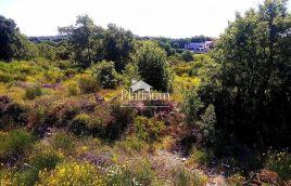 Medulin, Istra - 1000m2 građevinsko zemljište 300m od mora